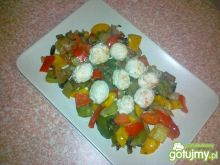 Gotowane pulpety na duszonych warzywach