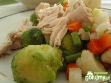 Gotowany indyk z warzywami