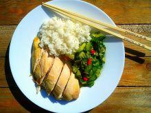 Gotowany kurczak i azjatycka sałatka z ogórków