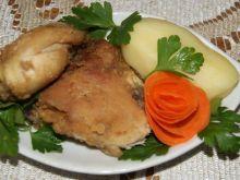 Gotowany kurczak udaje nugetsy :