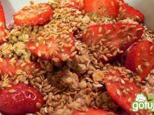 Granola podwójnie truskawkowa