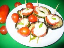 Grillowana cukinia z pomidorem i serem mozzarellą