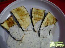 Grillowana cukinia z sosem czosnkowym