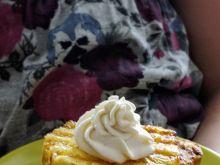 Grillowana kanapka z glazurowanym ananasem