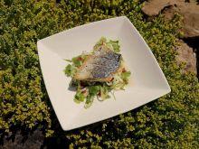 """Grillowana makrela z """"makaronem"""" ogórkowym"""