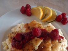 Grillowana ryba z sosem malinowym