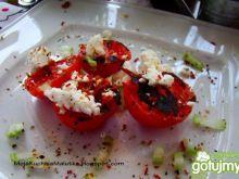Grillowane pomidorki z kozim serem