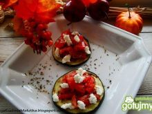 Grillowany bakłażan z salsą pomidorową