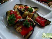 Grillowany bakłazan z sosem pomidorowym