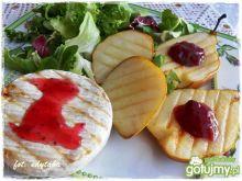Grillowany camembert z gruszką