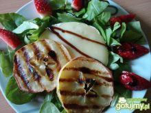 Grillowany camembert z jabłkiem