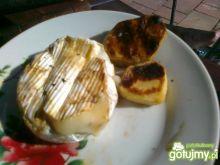 Grillowany camembert z ziemniakami