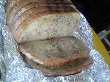 Grillowany chleb z masłem z ziołami i czosnkiem