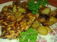 Grillowany filet  ze smażonymi ziemniakami