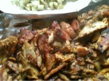 Grillowany kebab z kiełbaską