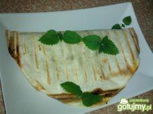 Grillowany placek tortilli z mięsem