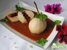 Gruszki w różowym winie z sosem