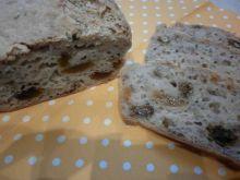 Gryczany chlebek na kefirze z rodzynkami królewski