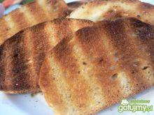 Grzanki z masłem czosnkowym z grilla