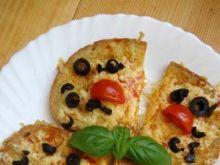Grzanki z oliwkami i pomidorkami