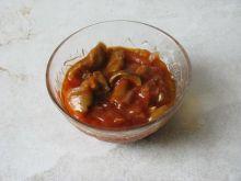 Grzybki w pomidorach
