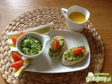 Guacamole na grzankach