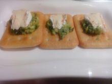 Guacamole na Krakersach z serem pleśniowym HOT