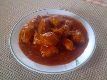 Gulasz drobiowy w sosie pomidorowym