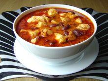 Gulasz Drobiowy z Chorizo i Fasolą