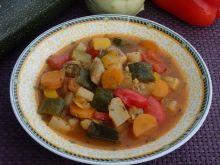 Gulasz pełen warzyw