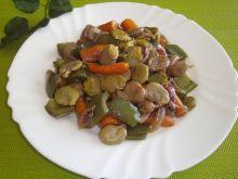 Gulasz warzywny z bobem i marchewką