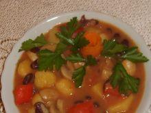 Gulasz warzywny z pieczarkami