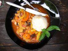 Gulasz warzywny z wędliną