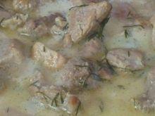 Gulasz wieprzowy w sosie koperkowo-śmietanowym