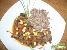 Gulasz z kukurydzą