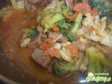 Gulasz z warzywami.