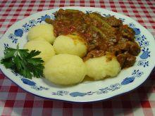 Gulasz z zieloną fasolką i ziemniakami