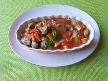 Gulasz z żołądków z warzywami