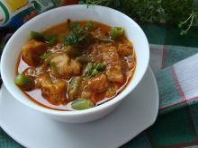Gulaszowa z kurczakiem i warzywami