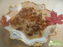 Gulaszyk jesienny z kurkami.