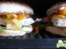 Hamburgery z indykiem ichutneyem z mango