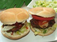 Hamburgery z mięsem, sałatą i pomidorem