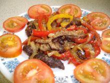 Hamburgery z papryka i cebula
