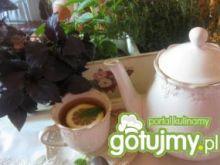 Herbatka orzeźwiająca ze świeżą miętą