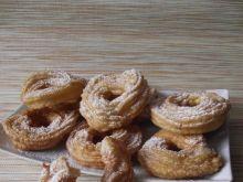 Hiszpańskie gniazdka z cukrem pudrem