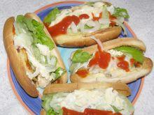 Hot dogi z kiełbaskami, pieczarkami