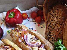 Hot – dogi z kurczakiem w białym pieprzu i chilli