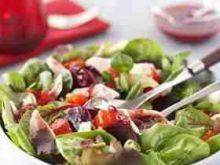 Indyk i zurawina - salatka