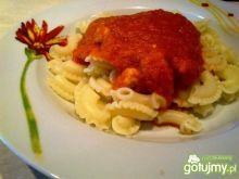 Indyk w sosie pomidorowo-paprykowym