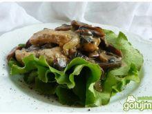 Indyk w sosie z leśnych grzybów
